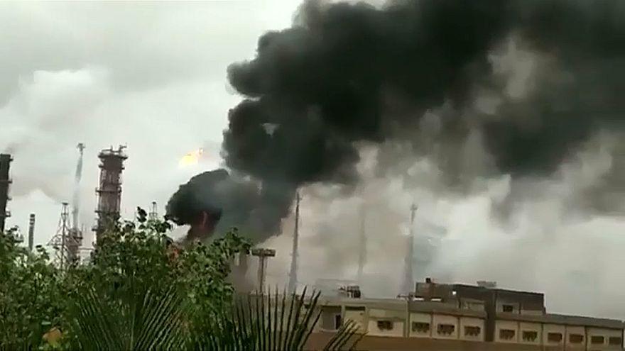 إصابة 40 شخصاً في حريق اندلع في مصفاة بترول بالهند