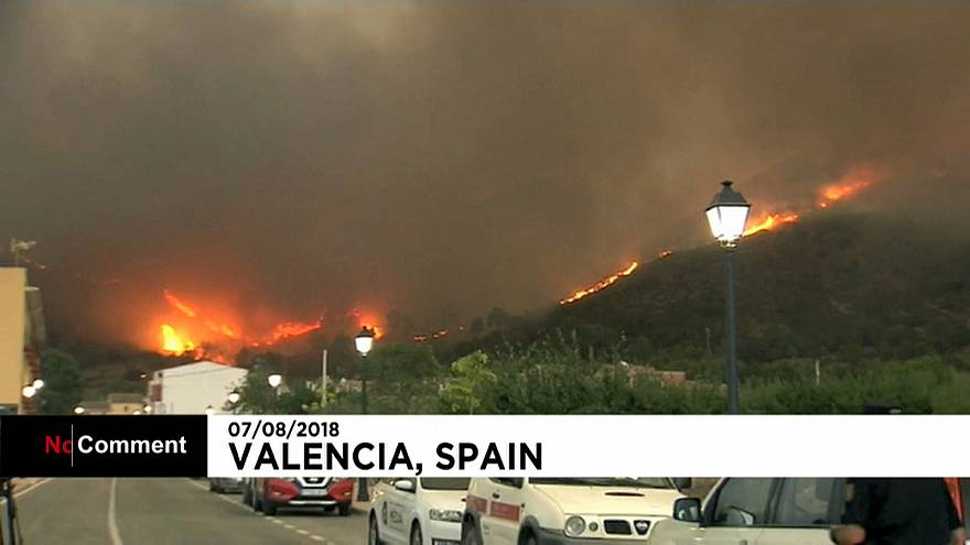 El incendio de Valencia sigue descontrolado