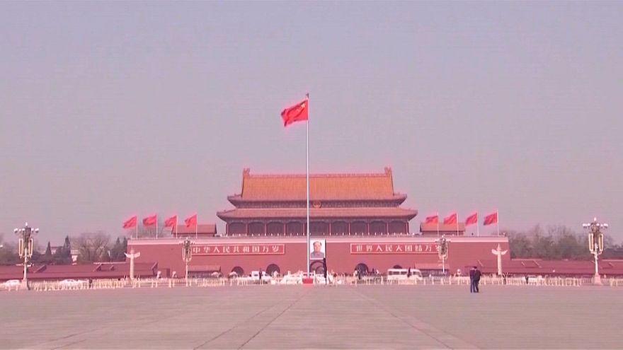 China responde a EEUU con nuevos aranceles del 25%