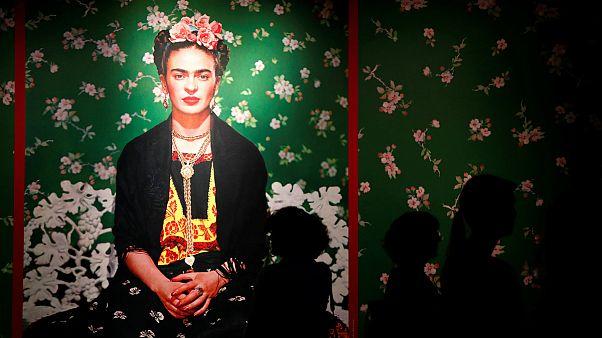 انتقاد هواداران اوربان از برگزاری نمایشگاه آثار «فریدا» در بوداپست