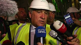 Antonio Tajani bei der Besichtigung der Baustelle in Saint-Martin-la-Porte.