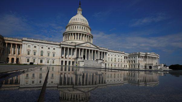 Capitol in Washington spiegelt sich