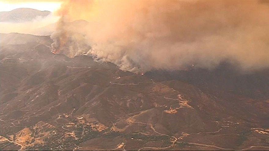Incêndio na Califórnia só deverá ser dominado em Setembro