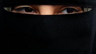 """Le Danemark interdit la burqa : """"Je paierai toutes les amendes"""""""