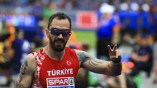 Türk atlet Ramil Guliyev erkekler 200 metrede birincilikle finale yükseldi