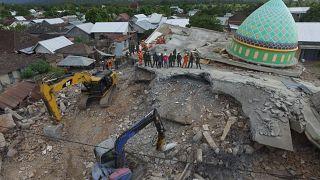 Stärke 6,2: Schweres Nachbeben auf Lombok