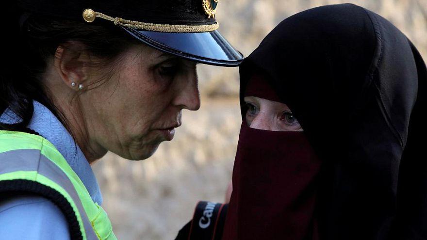 Multimillonario argelino dice que pagará todas las multas por llevar burka en Dinamarca