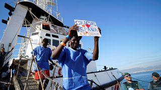 Un navire humanitaire accoste en Espagne avec 87 migrants