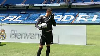 Thibaut Courtois présenté par le Real Madrid
