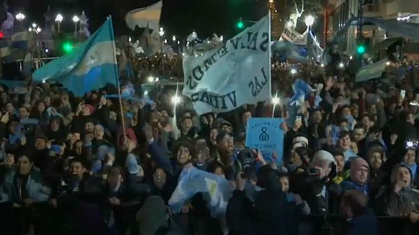 Thousands protest in Argentina after senate rejects bill to legalise abortion