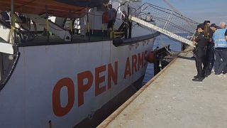 Open Arms: Η Γαλλία θα υποδεχθεί 20 μετανάστες του πλοίου