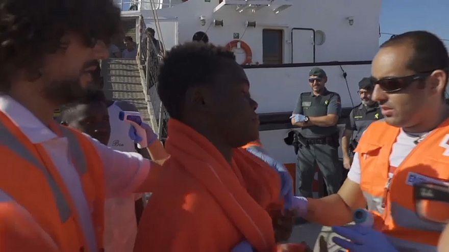 Flüchtlingsschiff in Algeciras eingetroffen