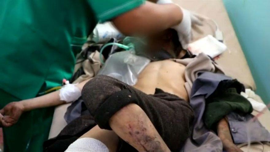 Gyerekekkel teli buszt talált el a légicsapás Jemenben