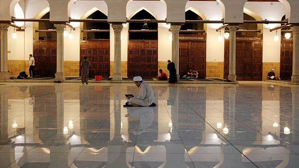 """إطلاق تطبيق على الهاتف المحمول """"لمراقبة المساجد"""" في السعودية"""