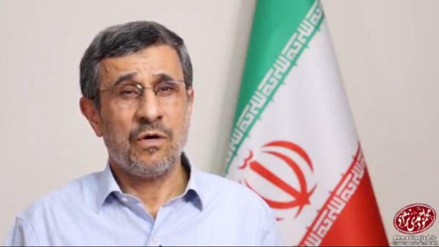 احمدی نژاد: سران سه قوه کنار بروند