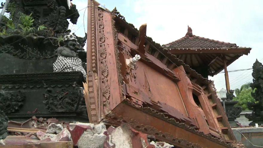 Al menos 400 muertos por el terremoto de Lombok en Indonesia