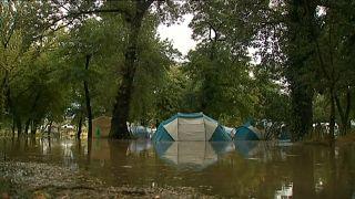 سیل کمپ تعطیلاتی در جنوب فرانسه را زیر آب برد