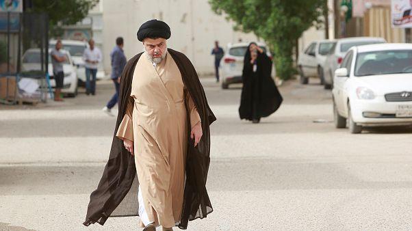 الزعيم الشيعي مقتدى الصدر في النجف