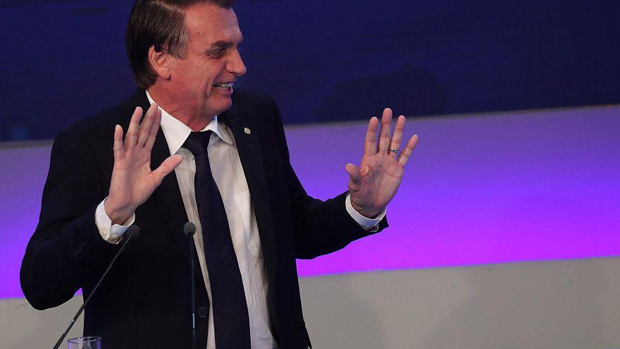 Bolsonaro centra atenções no primeiro debate das presidenciais no Brasil