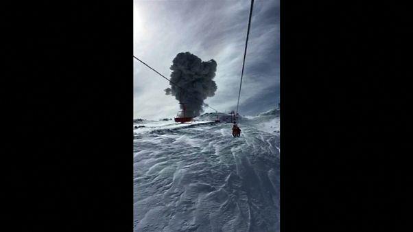 Erupción en Chile dentro de un complejo volcánico activo