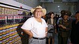 Eté nord-coréen relax ! Kim Jong-un en T-shirt et chapeau de paille
