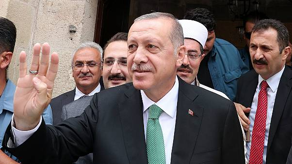 Erdoğan: Yastık altındaki döviziniz altınınız varsa gelin bozdurun