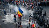 فيديو: مئات الجرحى في اشتباكات بين محتجين والشرطة في رومانيا