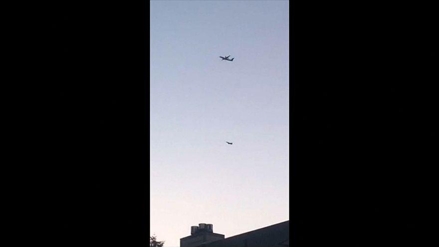 شاهد: طائرة حربية أمريكية تلاحق الطائرة المدنية المسروقة من مطار سياتل