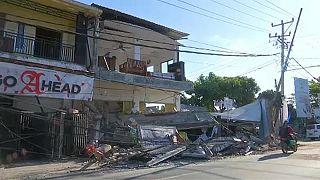 Mortos no terramoto aproximam-se dos 400 uma semana depois