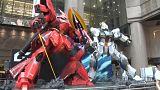 شاهد : روبوتان عملاقان لأشهر أبطال الرسوم المتحركة في هونغ كونغ