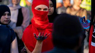Danimarka: Burka ve peçe için hapis cezası gelebilir