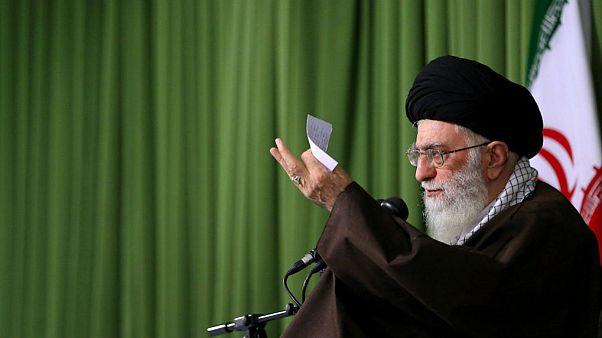 دستور خامنهای به آملی لاریجانی: سریعا مفسدان اقتصادی را مجازات کنید