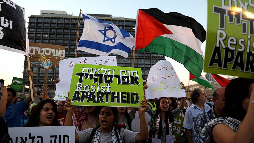 Thousands march against Israel's nation state law