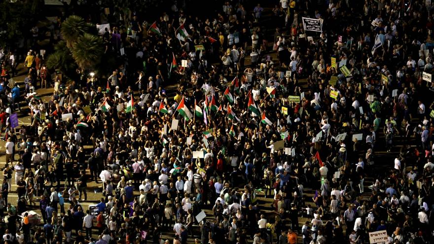 Ismét izraeliek tízezrei tüntettek