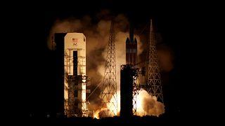 """شاهد: ناسا تطلق بنجاح مسبارها """"باركر"""" المتوجه إلى الشمس"""