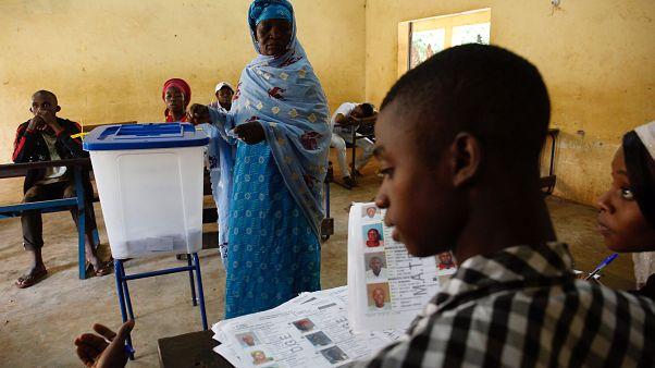 Les Maliens élisent leur président, sur fond d'accusations de fraudes