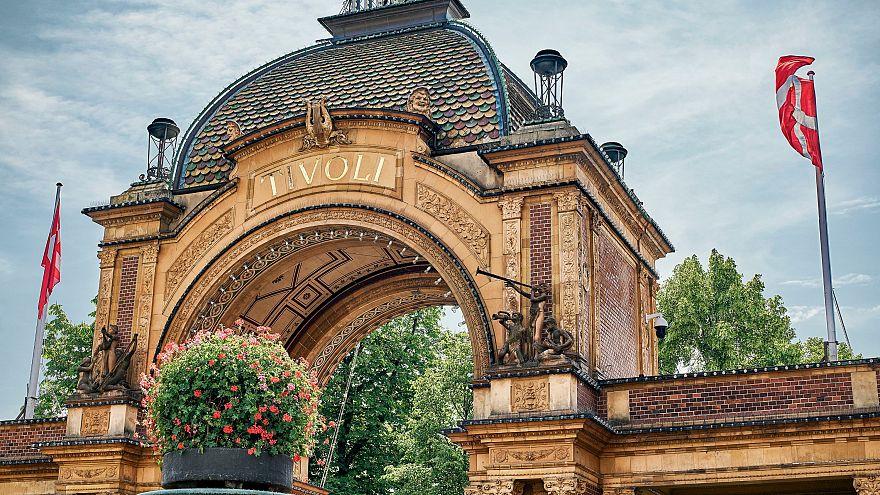Eingang des Kopenhagener Freizeitparks Tivoli