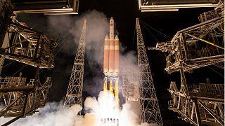 NASA'nın aracı 'güneşe dokunmak' için yola çıktı