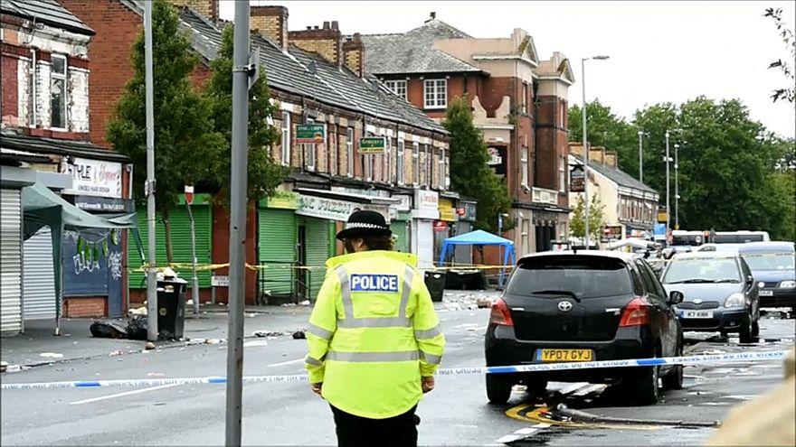 إصابة 10 أشخاص في تبادل إطلاق النار في مانشستر