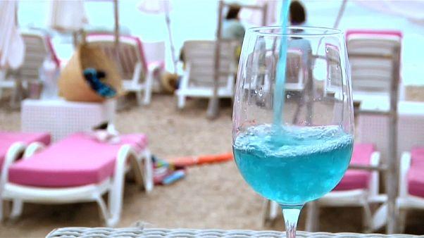 ¿Una copa de azul?