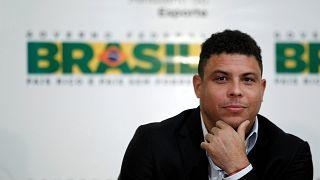 Placé en soins intensifs, le brésilien Ronaldo va mieux
