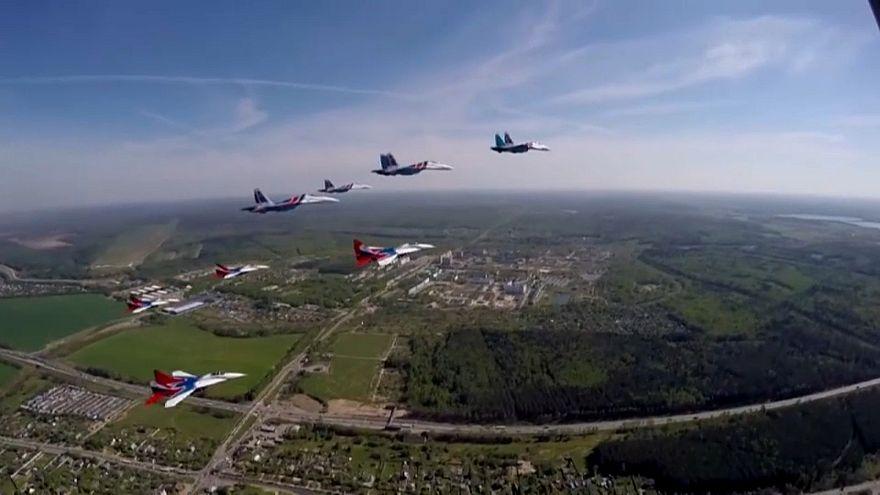 روسيا تستعرض عضلاتها عبر شريط دعائي يظهر مهارات قواتها الجوية