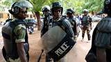 Polizisiten bei der Wahl in Mali