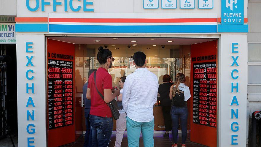 Derrocada da lira turca afeta mercados europeus
