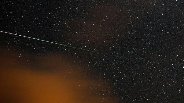 Una estrella fugaz sobre el cielo de Barbucedo, España