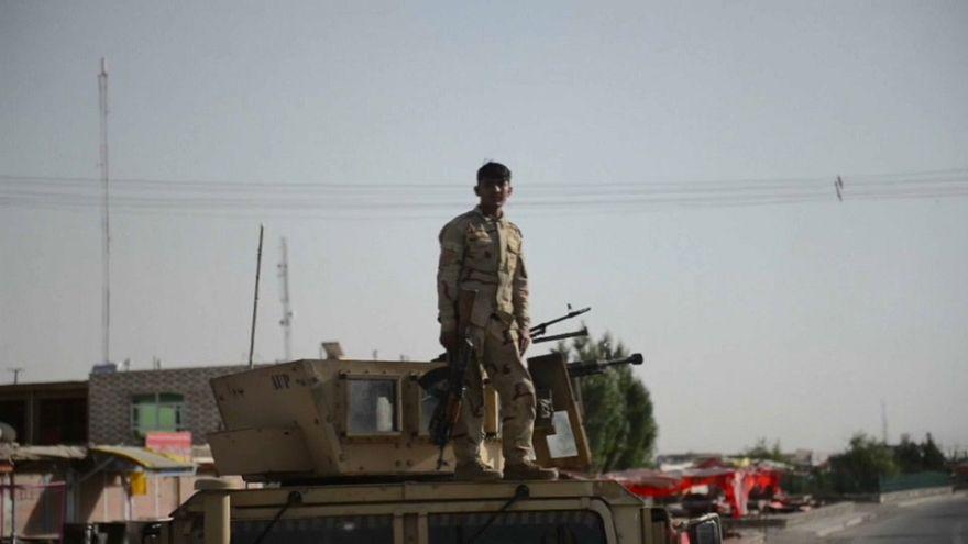 El gobierno afgano intensifica los bombardeos por el control de Ghazni