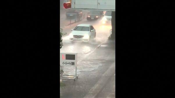 انقطاع الكهرباء عن 8700 أسرة يابانية بسبب الأمطار الغزيرة