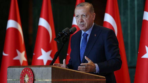 Presidente turco acusa EUA de serem responsáveis pela queda da lira turca