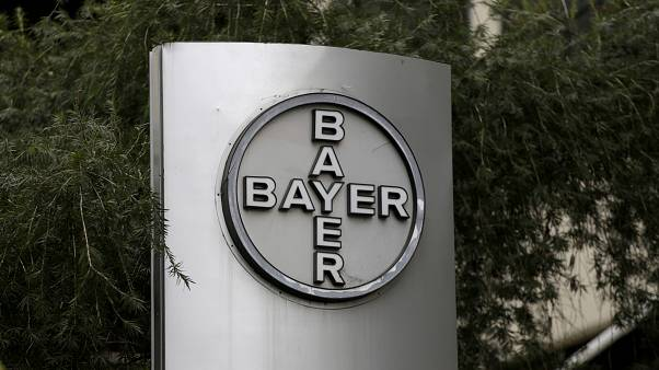 Bayer shares plunge over weedkiller trial