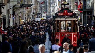VİDEO | Vatandaş Türk Lirası'ndaki değer kaybını nasıl yorumladı?
